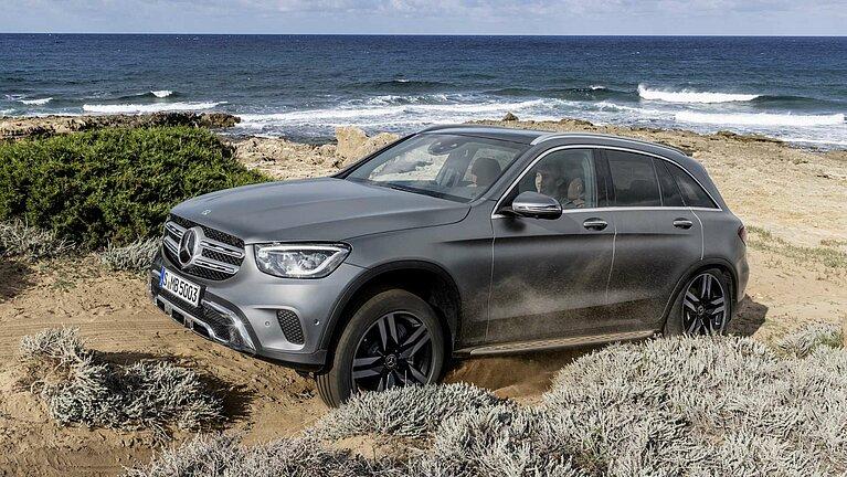Der Mercedes-Benz GLC macht auch in den Dünen eine gute Figur