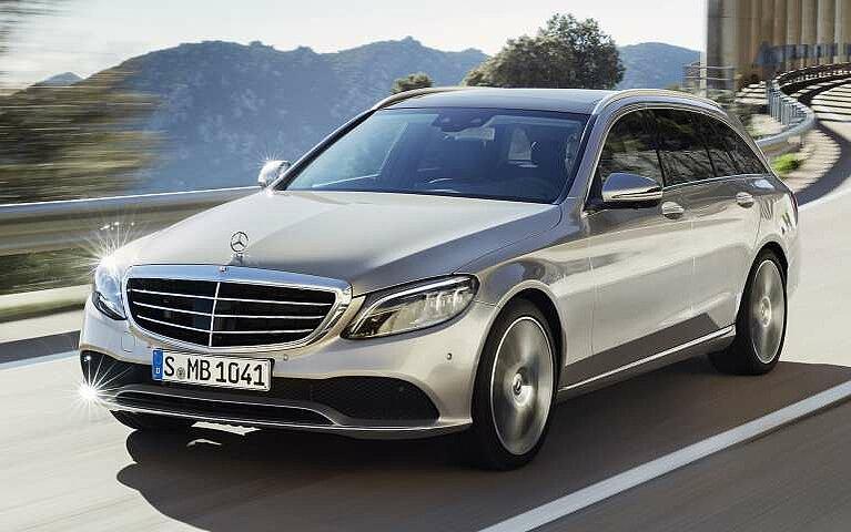 Die Front des Mercedes-Benz C-Klasse T-Modells von schräg vorne