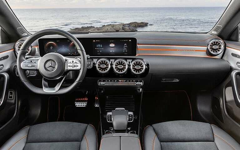 Das Cockpit des Mercedes-Benz CLA Coupé