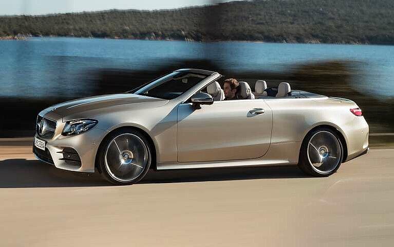 Seitenansicht des Mercedes-Benz E-Klasse Cabriolets