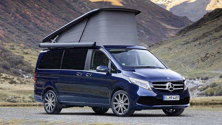 Der Mercedes-Benz Marco Polo mit aufgeklapptem Dachbett
