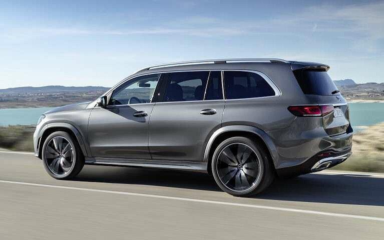 Der Mercedes-Benz GLS in der Seit- und Heckansicht