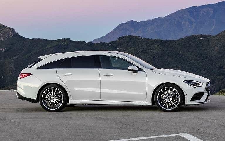 Seitenansicht des Mercedes-Benz CLA Shooting Brake