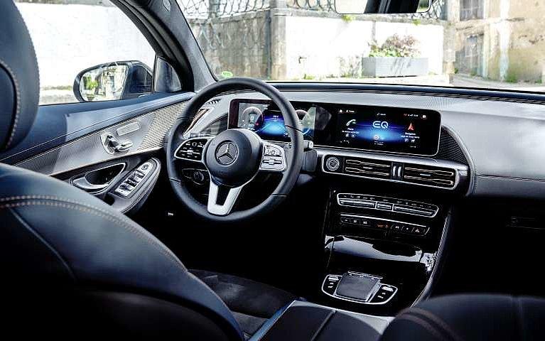 Blick in den Innenraum des neuen Mercedes-Benz EQC