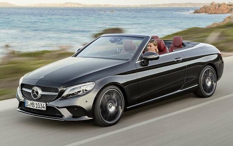 Mercedes-Benz C-Klasse Cabriolet in voller Fahrt