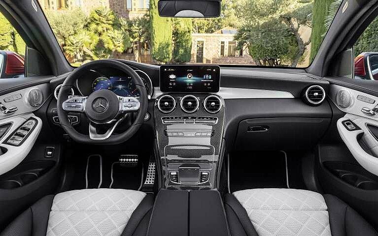 Das Cockpit des Mercedes-Benz GLC Coupés