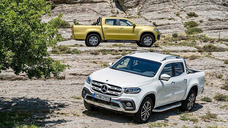 Zwei Mercedes-Benz X-Klasse der Ausstattungslinien POWER und PROGRESSIVE