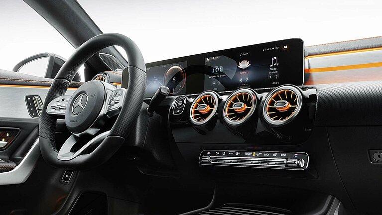 Das Mercedes-Benz CLA Coupé mit MBUX