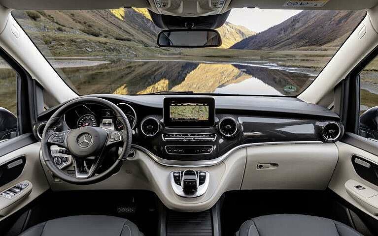 Das Cockpit des Mercedes-Benz Marco Polo