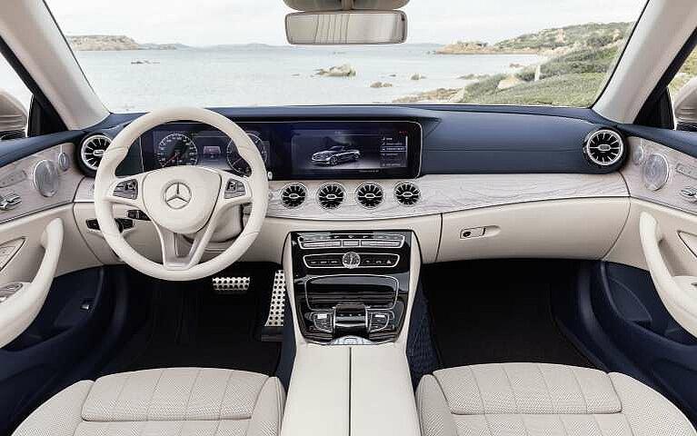 Mercedes-Benz E-Klasse Cabriolet Cockpit