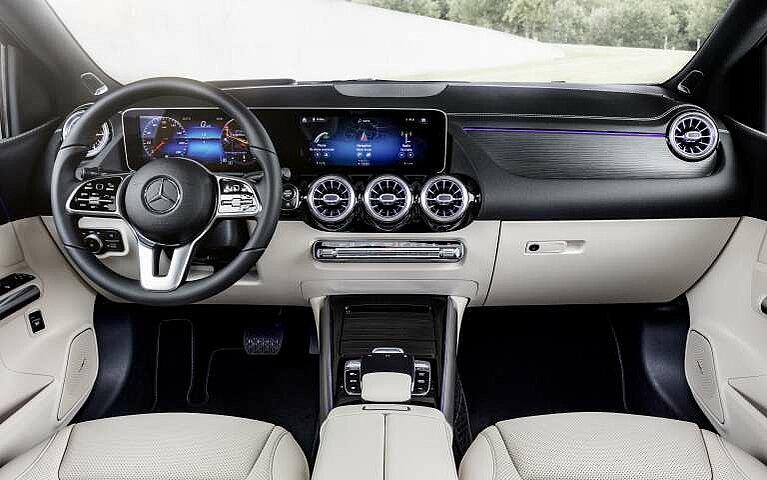 Das Cockpit der Mercedes-Benz B-Klasse