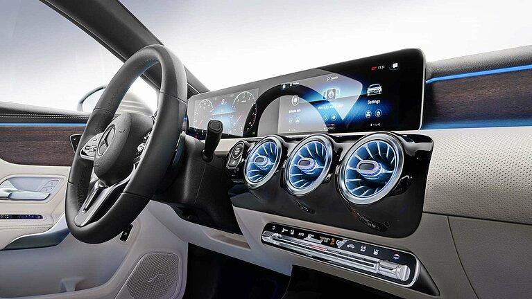 Das Interieur der Mercedes-Benz A-Klasse Limousine mit MBUX