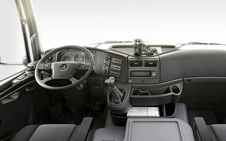 Interieur des Mercedes-Benz Atego