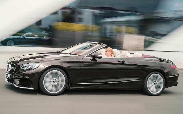 Seitenansicht des Mercedes-Benz S-Klasse Cabriolet