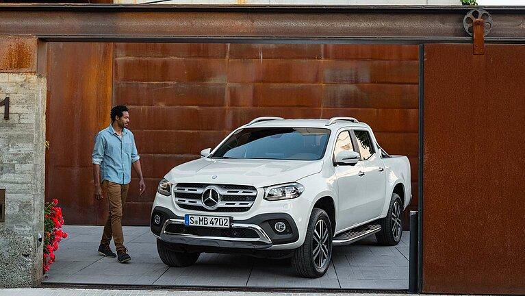 Der Mercedes-Benz X-Klasse der Ausstattungslinie POWER in der Frontansicht